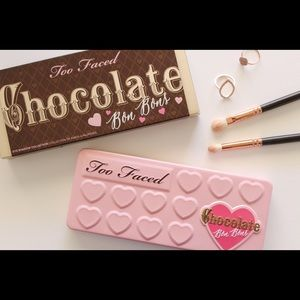 New Too Faced Chocolate Bon Bobs pallette